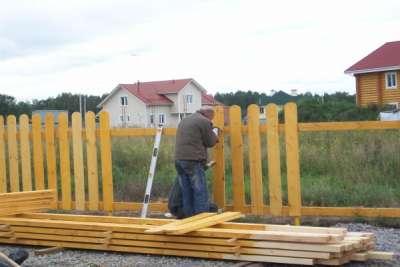 Строительство деревянного забора – основные правила и технологии